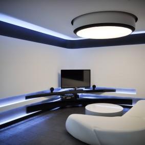 Минимум мебели в комнате стиля хай тек