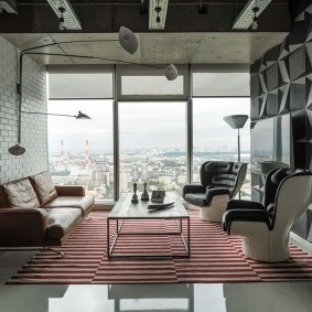 Панорамное окно в маленькой комнате