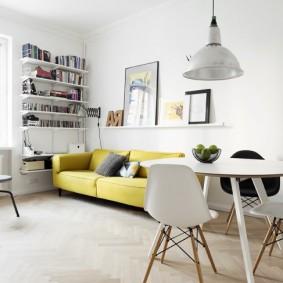 Светлая квартира с одной комнатой