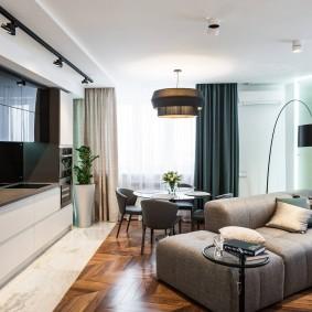 Двухцветные шторы в современной квартире