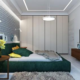 Встроенные шкафы в спальной комнате