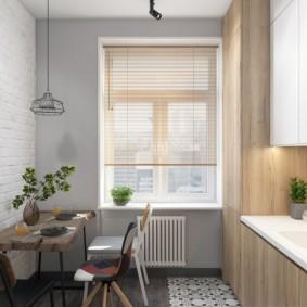 Просторная кухня в двухкомнатной квартире