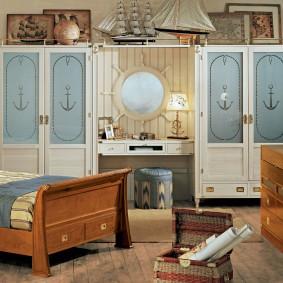 Красивая мебель из массива сосны
