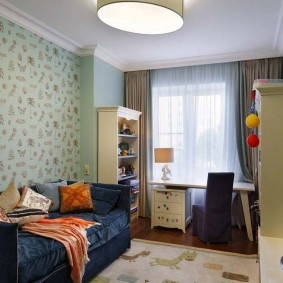 Практичные стеллажи для детской комнаты
