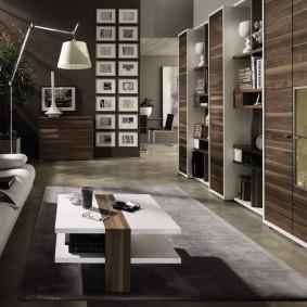 Стенка в гостиной современной квартиры