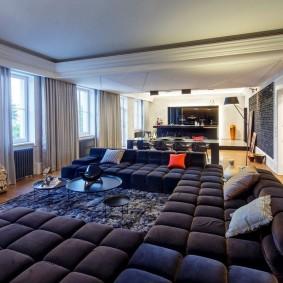 Мягкая мебель в квартире убежденного холостяка