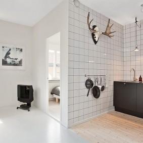 Отделка кафелем кухонной зоны в квартире