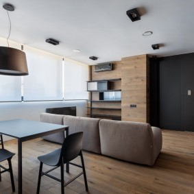 Черно-белый интерьер в квартире панельного дома
