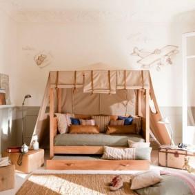 Балдахин по всему периметру детской кровати