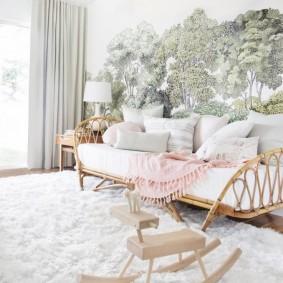 Детская кровать на каркасе из бамбука