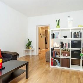Деревянный пол в квартире студии