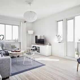 Светлая комната в угловой квартире