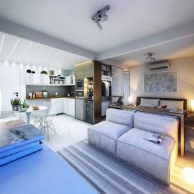 Квартира студия квадратной формы