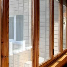 Деревянное окно с теплосберегающим стеклопакетом