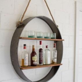 Круглая полка для вина и бокалов