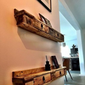 Красивые полки из деревянных обрезков