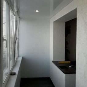 Встроенные светильнике на натяжном потолке