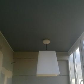 Потолочный светильник на короткой подвеске