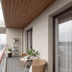 Стильный балкон с деревянным полом