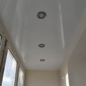 Встроенные светильники на натяжном потолке