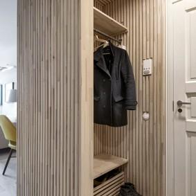 Встроенная мебель вместо межкомнатной перегородки