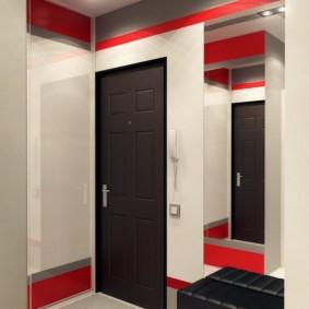 Акценты красного цвета в интерьере коридора