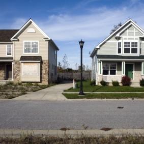 Расстояние между соседними домами из комбинированных материалов
