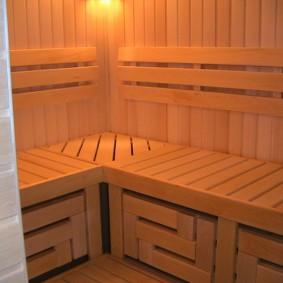 Скамейка в парилке финской сауны