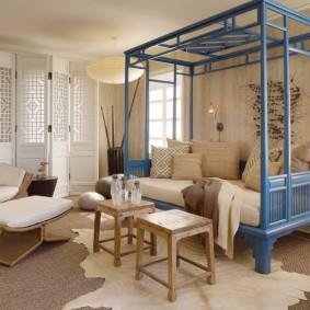 Кровать-диван синего цвета