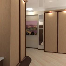 Ламинированный пол в коридоре небольшого размера