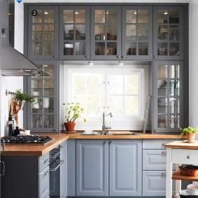 Кухонная мебель с декоративной подсветкой