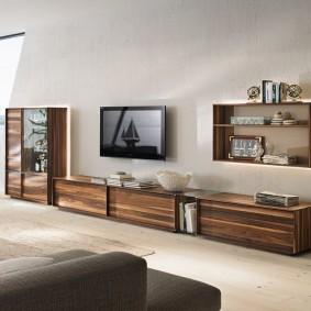 Низкая модель мебельной стенки для зала