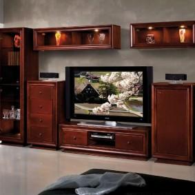Декоративная подсветка в мебели классического стиля