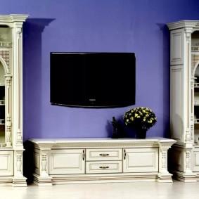 Светлая мебель в гостином помещении