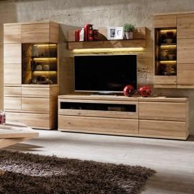 Деревянная отделка современной мебели