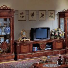 Классическая мебель для интерьера гостиной
