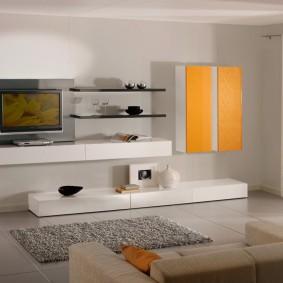 Навесные шкафы с желтыми фасадами