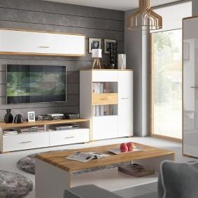 Золотистая окантовка на мебельных фасадах