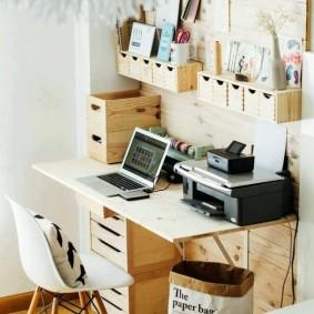 Струйный принтер на письменном столе