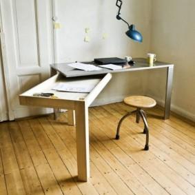 Поворотный стол с ящиком для хранения принадлежностей