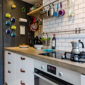 Декор стены кухни в современном стиле