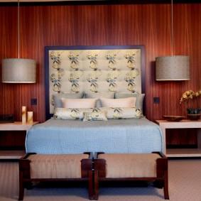 Симметричная планировка небольшой спальни