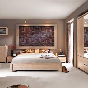 Шкаф для одежды в спальной комнате