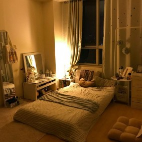 Романтическое освещение спальни в современном стиле