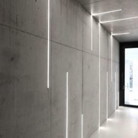 Бетонная стена серого цвета