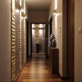 Поперечная укладка ламината в маленьком коридоре
