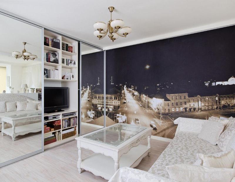 Небольшая гостиная с фотообоями на стене