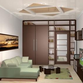 Встроенная мебель в небольшой гостиной