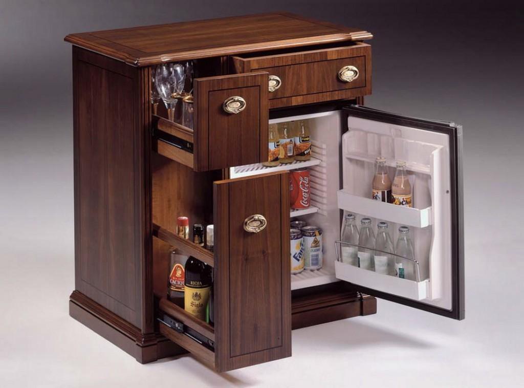 Холодильник-тумба для коридора в стиле классики