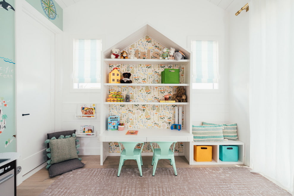 Место для игр в комнате двойняшек